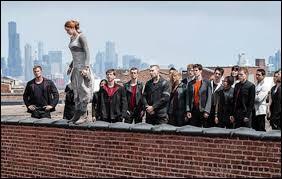 Tris est-elle la première à sauter de l'immeuble ?