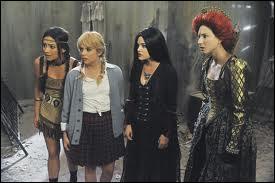 Lors de la soirée d'Halloween, comment Jenna était-elle déguisée ?