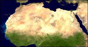 Quel désert est présent dans cette zone ?
