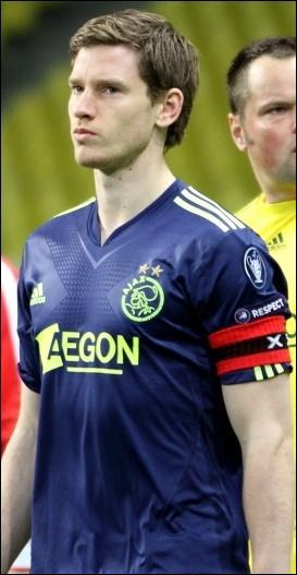 Qui est ce footballeur évoluant à Tottenham ?