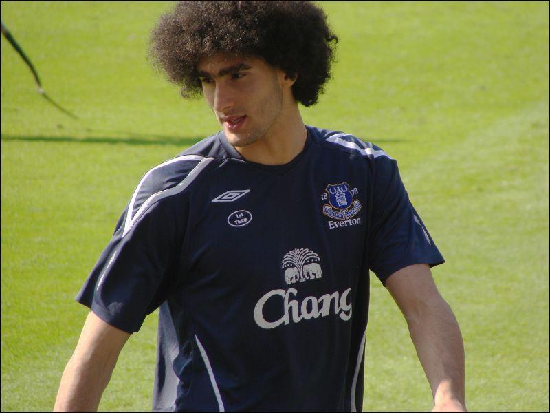 Qui est ce footballeur évoluant à Manchester United ?