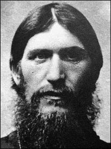 Né aux confins de la Sibérie, ce personnage mystique, surnommé le moine fou, fut assassiné à Saint-Pétersbourg en 1916 !