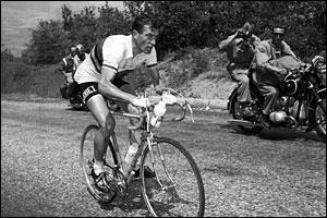 Avant les Anquetil, Poulidor et Hinault, il était le premier grand champion cycliste français. Dans les années 1950, il tenait en effet la dragée haute à l'équipe italienne de Coppi et de Bartali et gagna 3 tours de France d'affilée.
