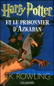 Dans le tome 3, que fait Harry pour aller à Pré-au-Lard vu que les Dursley ne lui ont pas signé l'autorisation ?