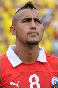 Arturo Vidal a opté pour le crâne rasé et la crête mais de quelle équipe défend-t-il les couleurs ?