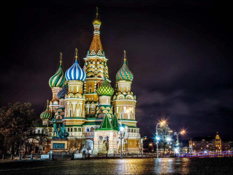 Comme vous pouvez le voir, et surtout l'admirer, chez moi les monuments religieux sont magnifiques, alors ne vous trompez pas sur cette réponse, ce ne serait pas très orthodoxe !