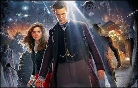 Dans l'épisode «Le Temps du Docteur», qui descend des escaliers quand le docteur doit se régénérer ?