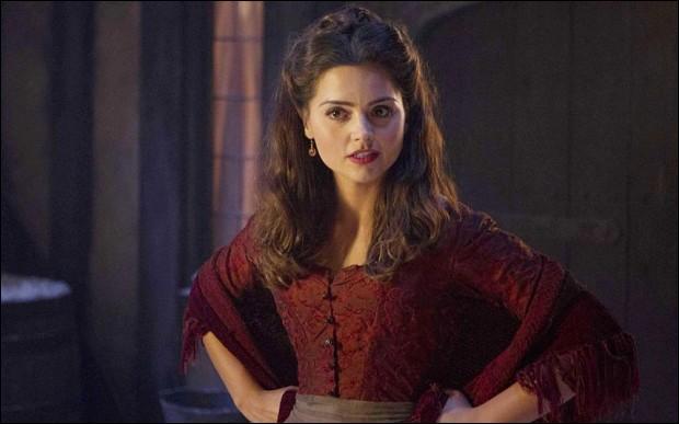 """Dans l'épisode «La Dame de glace», quel était le vrai """"métier"""" de Clara ?"""