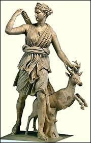 Je suis la déesse de la chasse, je n'ai pas d'enfant dieu ou demi-dieu mais j'ai en ma possession plusieurs chasseresses, je suis...