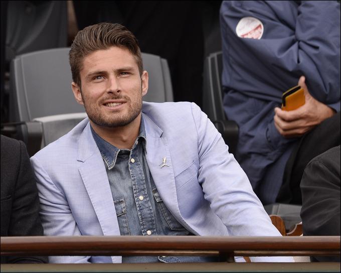 Il joue à Arsenal. De qui s'agit-il ?