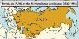 Le territoire dont Staline est dictateur s'appelle l'URSS, cela signifie :