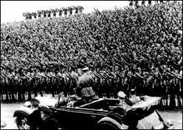 De quel parti Hitler était-il le chef ?