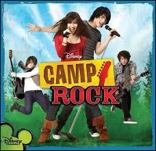 A quel âge Demi Lovato obtient-elle son vrai premier rôle dans la série Camp Rock ?
