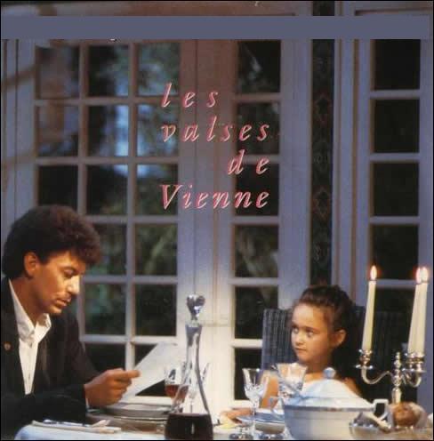 Qui chante 'Les Valses de Vienne' en  1989