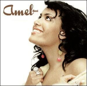 Amel Bent se hisse à la première place en 2005 avec 'Ma...