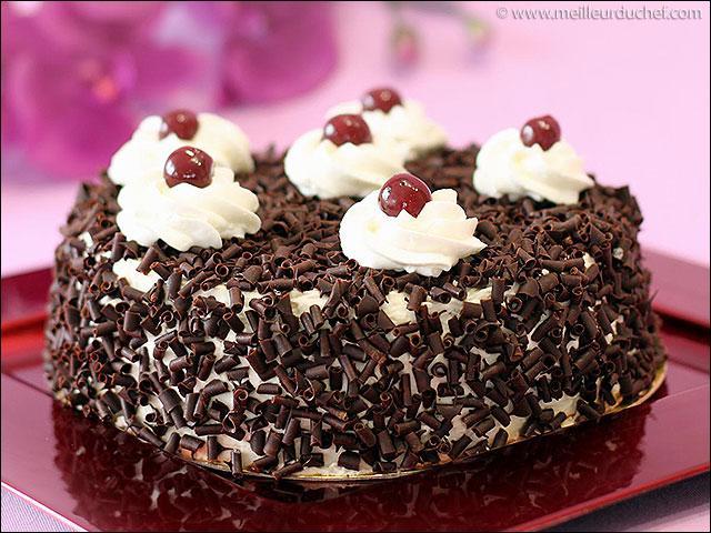 Tout s'est bien passé ! Nous allons pouvoir goûter ce gâteau que tu as reconnu !