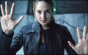 Que se dit Tris pour réussir les tests ?