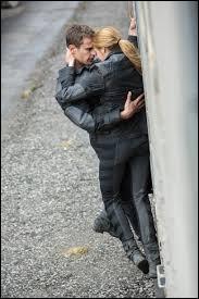 Comment l'histoire se termine-t-elle pour Quatre et Tris ?