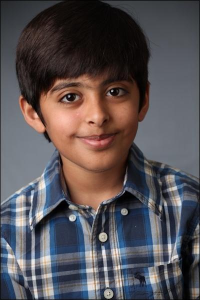 Comment s'appelle le garçon qui est originaire d'Inde et qui a un lézard qui s'appelle Mme Kipling ?