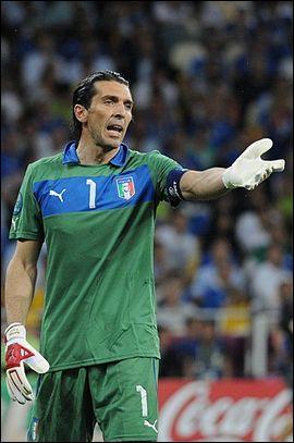 C'est le gardien n°1 de l'Italie. Qui est-ce ?