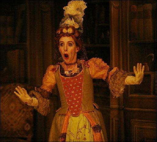 """Quel personnage dans cette pièce est """"folle"""" et pense que Clitandre est amoureux d'elle ?"""