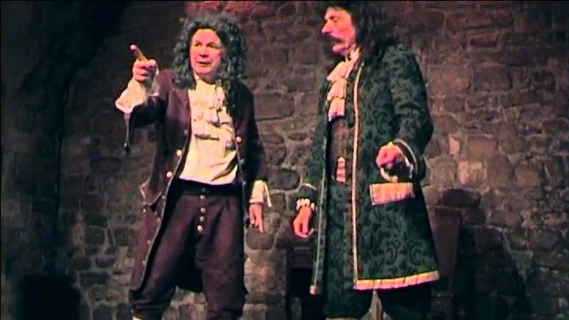 Dans cette pièce, que critique principalement Molière ?
