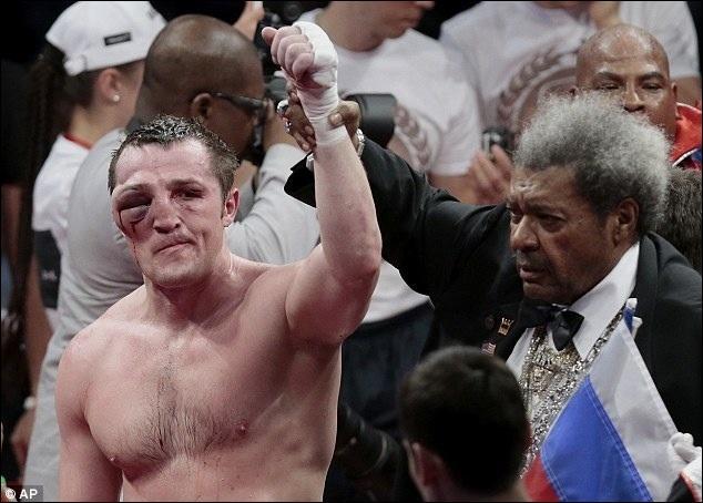 Quel célèbre sportif, premier français champion du monde de boxe anglaise (et ex-champion du monde de savate boxe-française), déclara : mon poing, c'est ma jambe ?