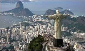 Où la statue du Christ Rédempteur se trouve-t-elle ?