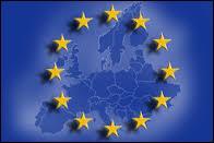 Que symbolisent les 12 étoiles du drapeau européen ?