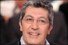 C'est un animateur, producteur, scénariste, réalisateur et acteur français âgé actuellement de 55 ans. Il a joué dans quelques films  Gazon maudit ,  Cléopâtre ,  Didier ,  Sur la piste du Marsupilami , et quelques autres. Voici :