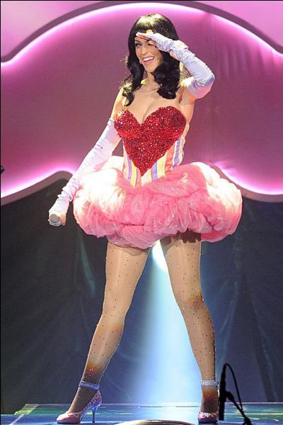 Quel est le nom de la fan base de Katy Perry ?