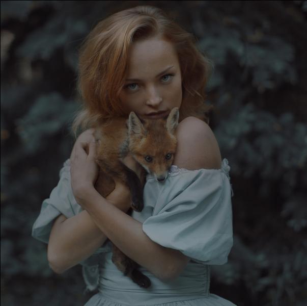 Dans quel film de Luc Jacquet peut-on voir une petite fille et une renarde ?