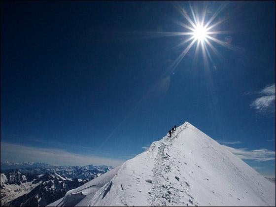 Le mont Blanc, 'Toit de l'Europe', culmine à 4 810 mètres (en 2014) au cœur du massif du Mont-Blanc. Dans quel département français irez-vous pour tenter son ascension ?
