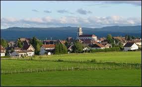 Le village Doubien de Frasne se trouve en région ...