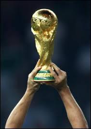 Quel pays a remporté la première Coupe du monde ?