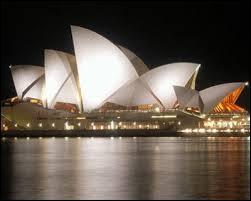 Ceci est un opéra connu dans le monde entier, mais dans quelle ville d'Australie se trouve-t-il ?