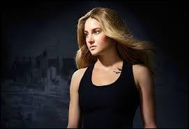 Que représentent les 3 tatouages de Tris ?
