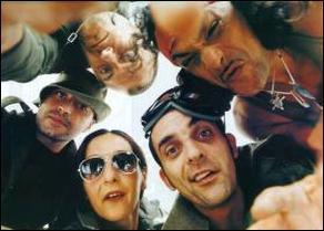 Indice - Sous le soleil de Bodega. Quelle couleur est en lien avec le nom de ce groupe français ?