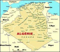 Que trouve-t-on sur le drapeau de l'Algérie ?