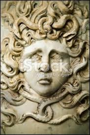 De qui les Gorgones étaient-elles les filles ?