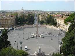 On continue sur les places romaines alors. En voici une autre. Où sommes-nous ?