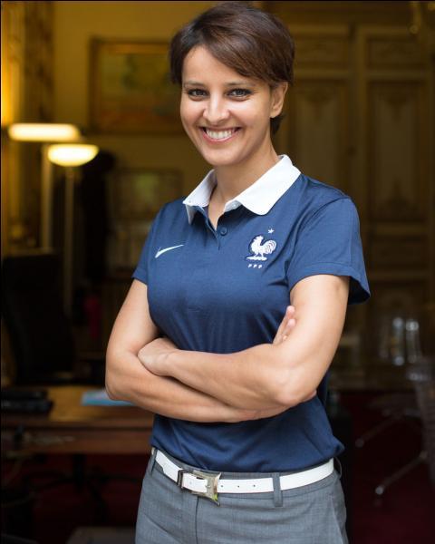 Avec un ballon ou un maillot de foot, on a tous vécu au rythme de la Coupe du monde de football durant l'été 2014. Najat Vallaud-Balkacem s'y est impliquée en tant que femme mais aussi en tant que ministre. Quel portefeuille a-t-elle obtenu le 2 avril 2014 ?
