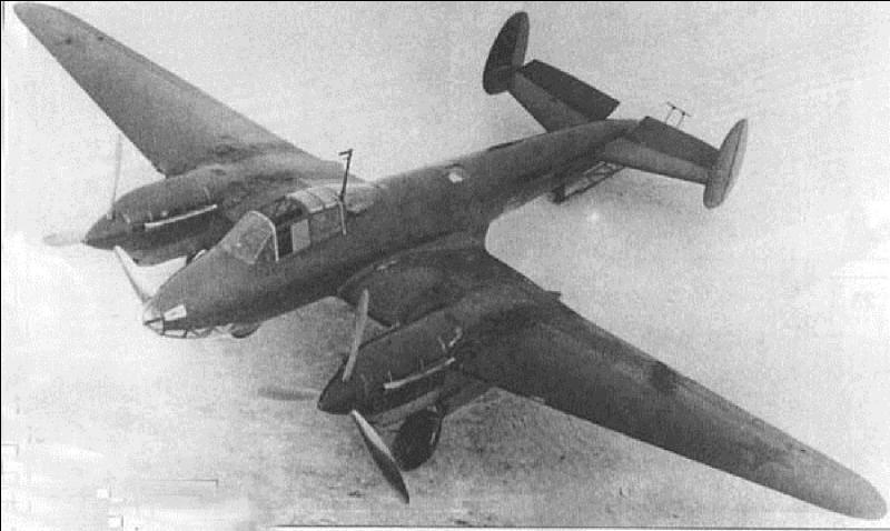 A vous de trouver cet avion soviétique qui a été conçu comme un bombardier de haute altitude, mais qui a été transformé rapidement en avion d'attaque au sol (attaque en piqué). Cet avion était équivalent au Messerschmitt Bf 110 allemand. A vous de le trouver !