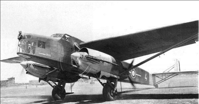 Voici un bombardier français utilisé en mai - juin 1940. Cet avion, à la base, était conçu pour devenir un avion postal. Il fut transformé en bombardier lourd et devint opérationnel pendant la campagne de France. Il fut utilisé pour le premier bombardement sur Berlin et fut fabriqué en 8 exemplaires. Quel est cet avion ?