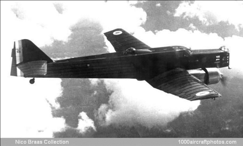 Quel est cet avion français qui a été le premier à avoir un train escamotable dans l'armée de l'air française. Il a été créé en 1932. Cet avion est la réalisation d'un grand avionneur qui, après-guerre, construira de nombreux avions pour l'armée de l'Air française mais, sous un autre nom. Quel est cet avion ?