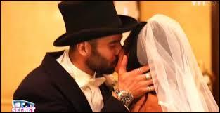 Dans quelle ville américaine se sont-ils mariés pour pouvoir intégrer la maison des secrets ?