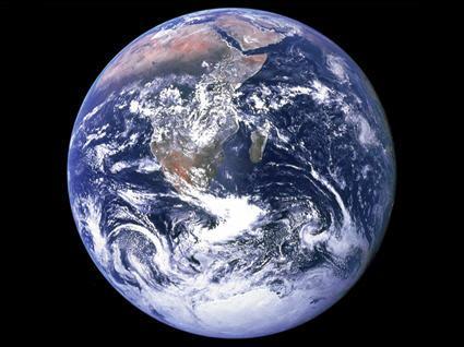 Combien la Terre compte-t-elle d'habitants ?