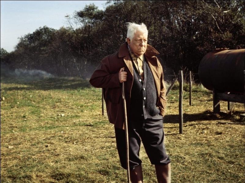 Dans quel film de Pierre Granier-Deferre, Jean Gabin joue-t-il le rôle d'un patriarche qui a maille à partir avec la police car il défend ses terres et sa famille harcelées par des trafiquants ?