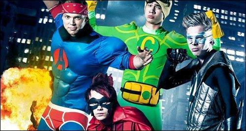 Comment s'appelle le clip où ils sont déguisés en super héros ?