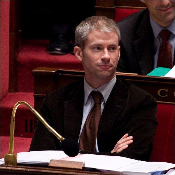 Ce député UMP, ouvertement homosexuel, a été l'un des seuls de son parti à voter en faveur du mariage pour tous. Comment s'appelle-t-il ?